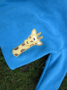 Fleecejacke mit Giraffe hinten