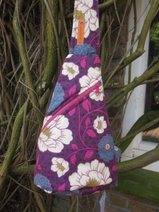 Crossbag lila Blumen